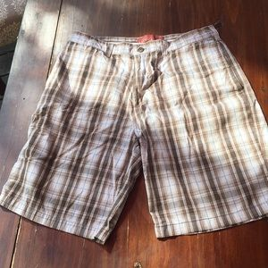 Perry Ellis straight front plaid shorts 36w